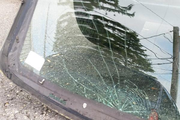 spiderweb windshield crack