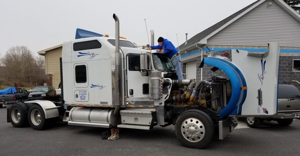 tractor trailer glass replacement services