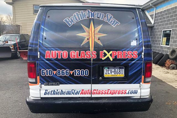 mobile auto glass replacement service van